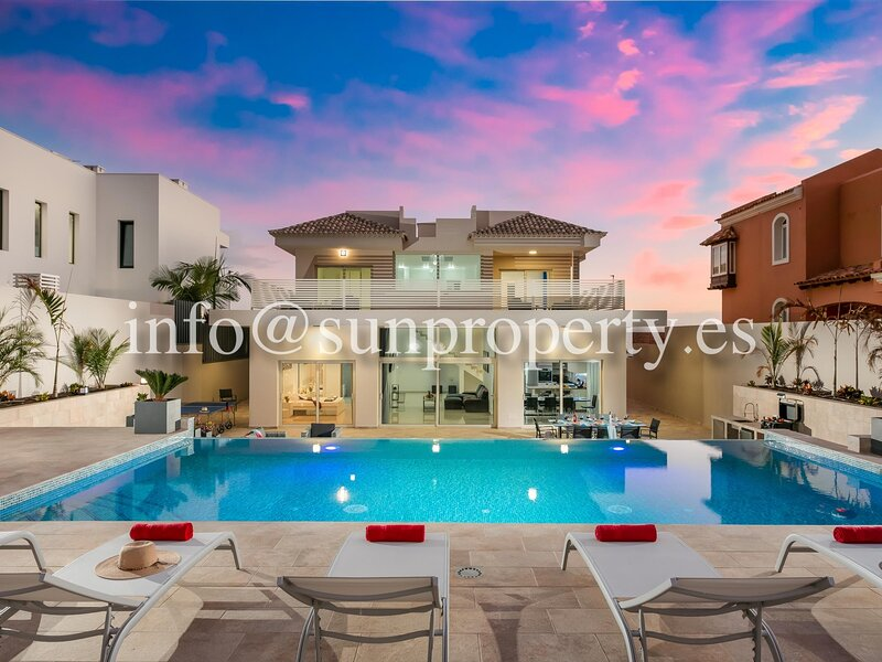 Villa Infinity Amendro, BBQ, Heated Private Swimming Pool!, holiday rental in Fanabe