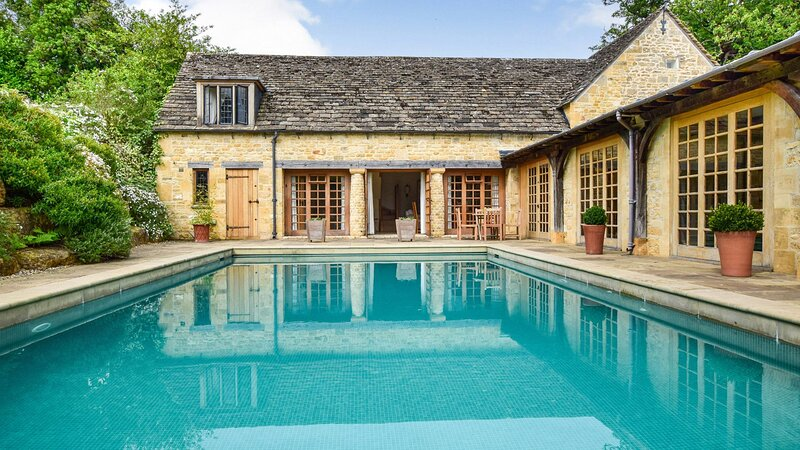 Coach House, Saintbury, Cotswolds, Sleeps 6 in 3 bedrooms, vakantiewoning in Willersey