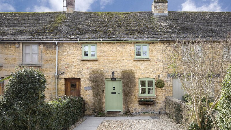 Forsythia Cottage - Homely cottage with everything you need for a getaway in the, location de vacances à Little Rissington