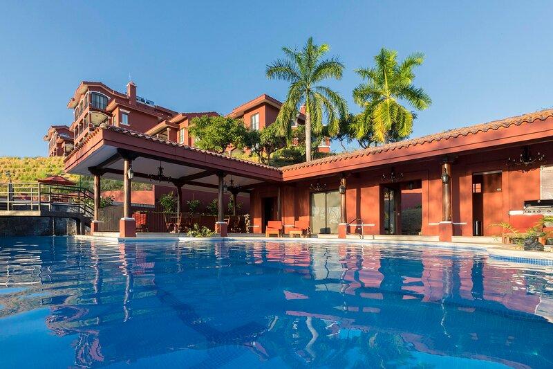 A2 - Ocean View Luxury Condo at Reserva Conchal, alquiler vacacional en Huacas
