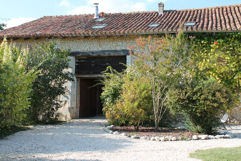 La Grainerie, Le Manoir de Longeveau, holiday rental in Saint-Paul-Lizonne