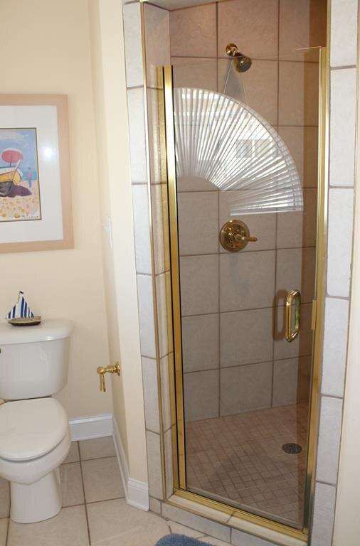 Bathroom 6 - Private