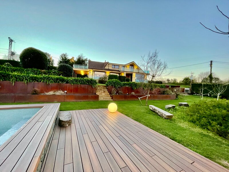 Stunning 4 bedroom villa with Pool, Garden and BBQ., alquiler vacacional en Carandía