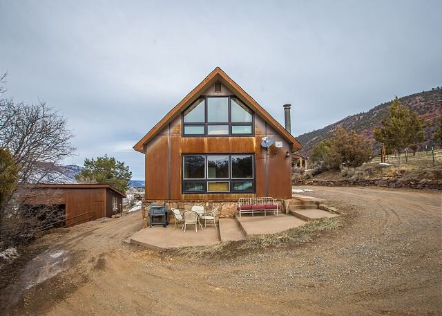 Rustic Cabin - 4 miles from Downtown Ouray, casa vacanza a Ridgway