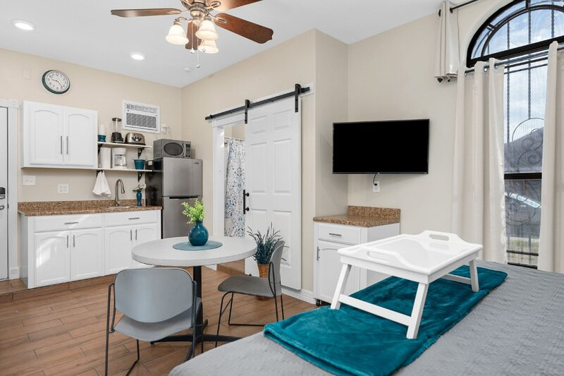 Hidden Beauty in Mission!, holiday rental in Alamo