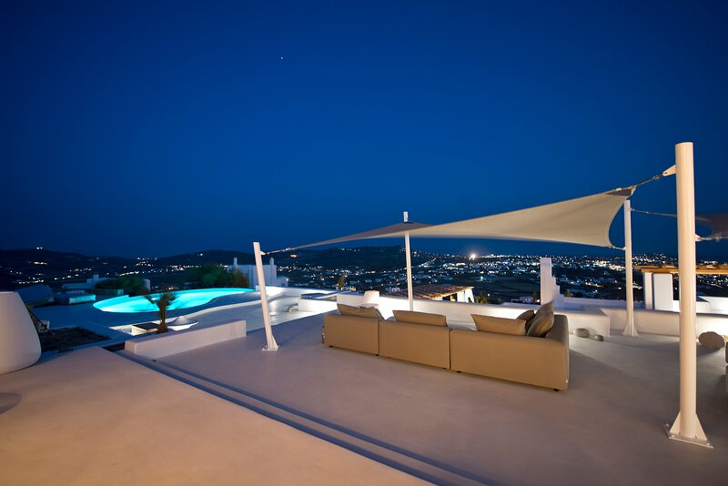 Two Bedroom Residence with Private Pool in Mykonos by Diles Villas, casa vacanza a Tourlos