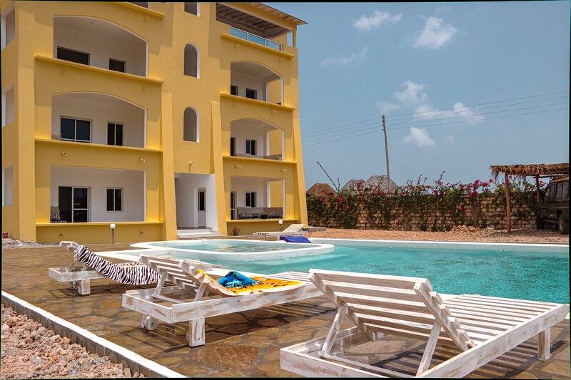 Fragola Safari House: luxury b&b and apartments near the beach, vacation rental in Watamu