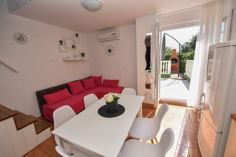 Holiday home 176979 - Holiday apartment 195519, holiday rental in Gajac