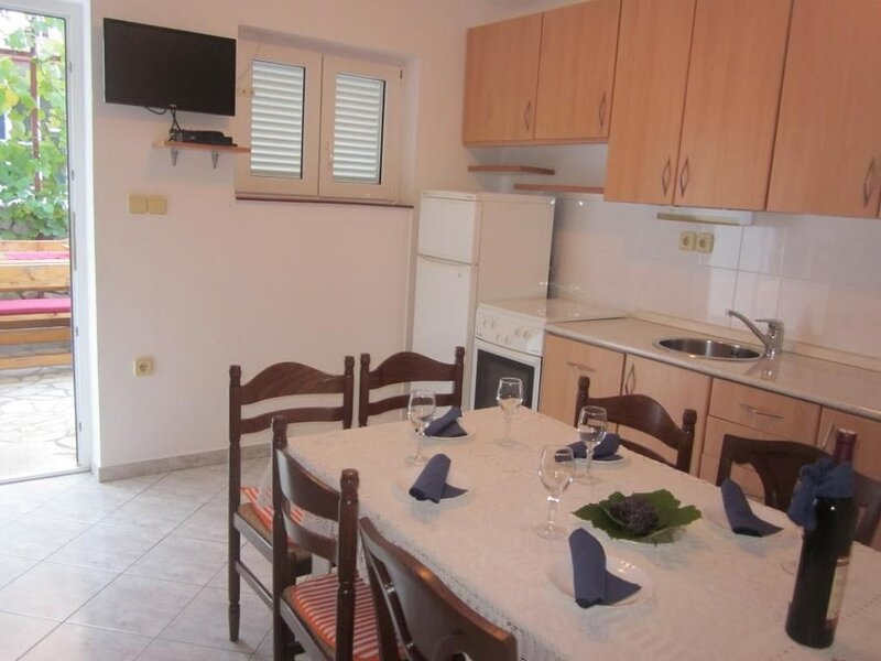 Holiday home 106224 - Holiday apartment 8487, holiday rental in Povile