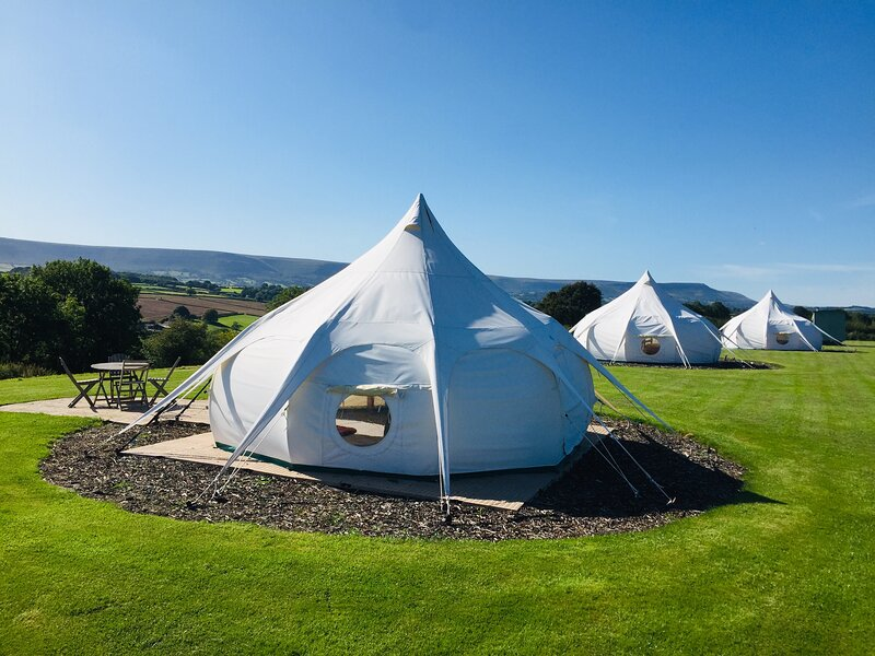 Maple Belle, with amazing views & on-site activities, vacation rental in Craswall