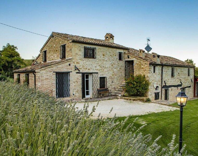Casale Delle Cento Piante, holiday rental in Appignano
