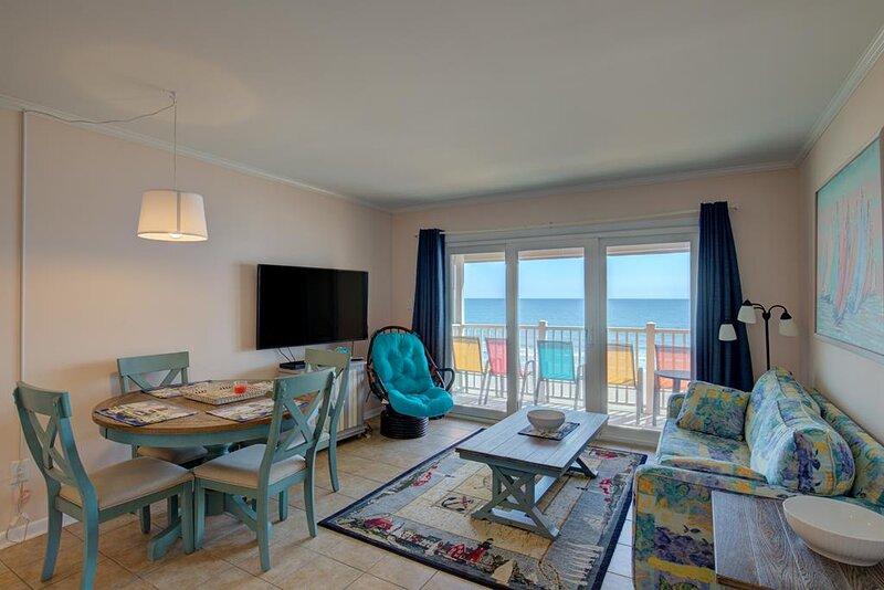 Topsail Dunes 2304 Oceanfront! | Community Pool, Grill Area, aluguéis de temporada em North Topsail Beach