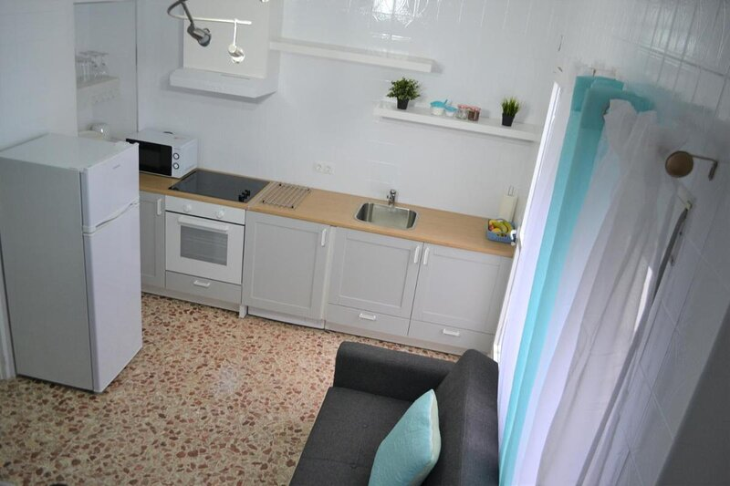 1 Bedroom Studio Apartment Nice and Modern ideal for the beach and city centre, holiday rental in Pinoso