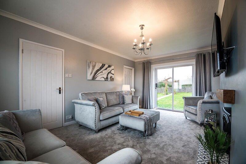 Arendelle House - 3 Bedroom House - Pentlepoir, holiday rental in Begelly