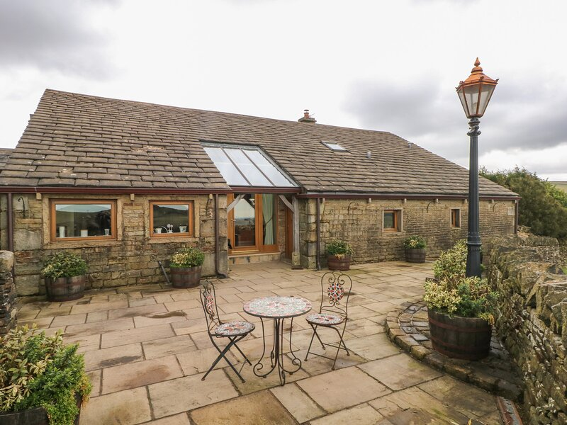 Rough Bank Barn, Newhey, holiday rental in Mossley
