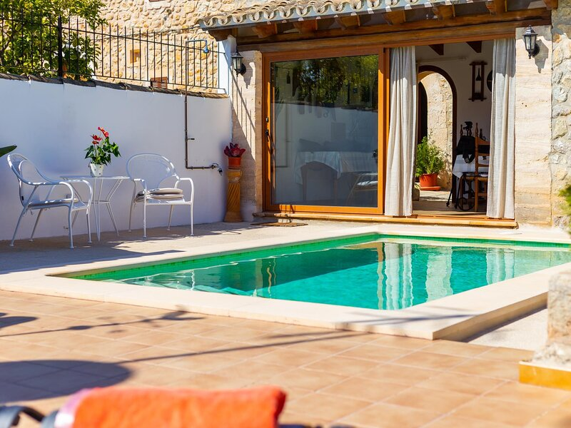 Es Pujol - Beautiful Mallorcan house with private pool in Campanet, vacation rental in Campanet