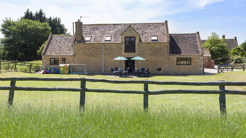 Field House Cottage - Rustic barn conversion in the Cotswold countryside near Ch, vakantiewoning in Willersey