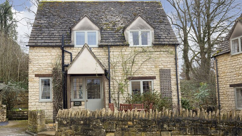 Emma Dent Cottage at Sudeley Castle - Delightful cottage located on the Sudeley, casa vacanza a Winchcombe