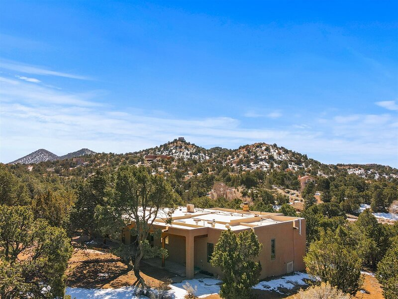 Sunlit Pines, holiday rental in Galisteo