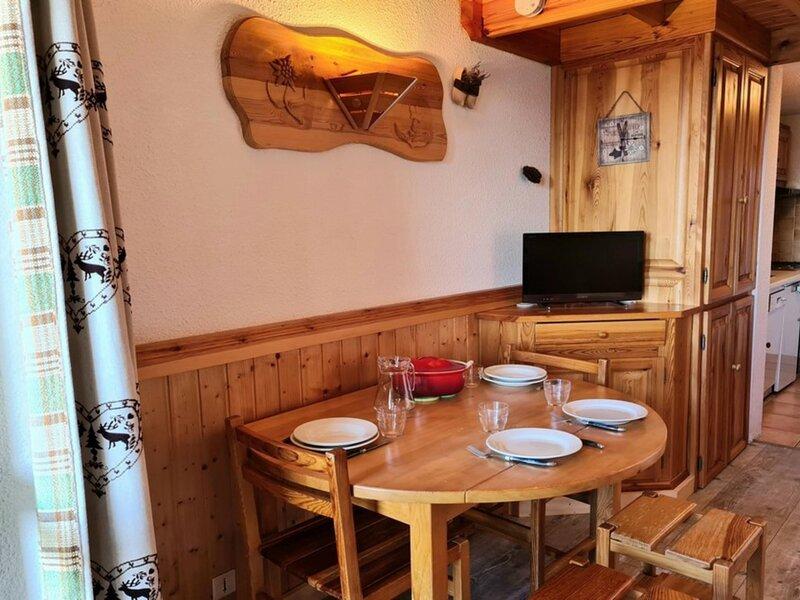 Studio proche des pistes, alquiler de vacaciones en La Rosiere