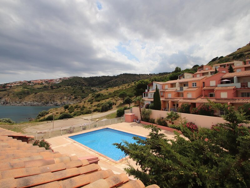 Appartement T2, Terrasse et piscine collective, holiday rental in Cerbere