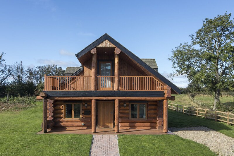 Swallow Log Cabin - Traditional and Charming, Ripon, Yorkshire, Ferienwohnung in Newton le Willows