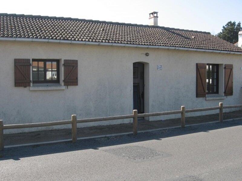 saint gilles croix de vie, maison independante, cour clôturée ensoleillée, à, location de vacances à Givrand