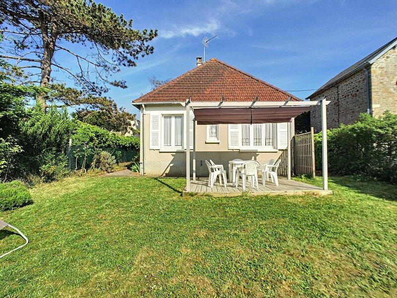 PLAIN PIEDS-150M PLAGE-JARDIN AVEC APPENTIS, holiday rental in Champeaux