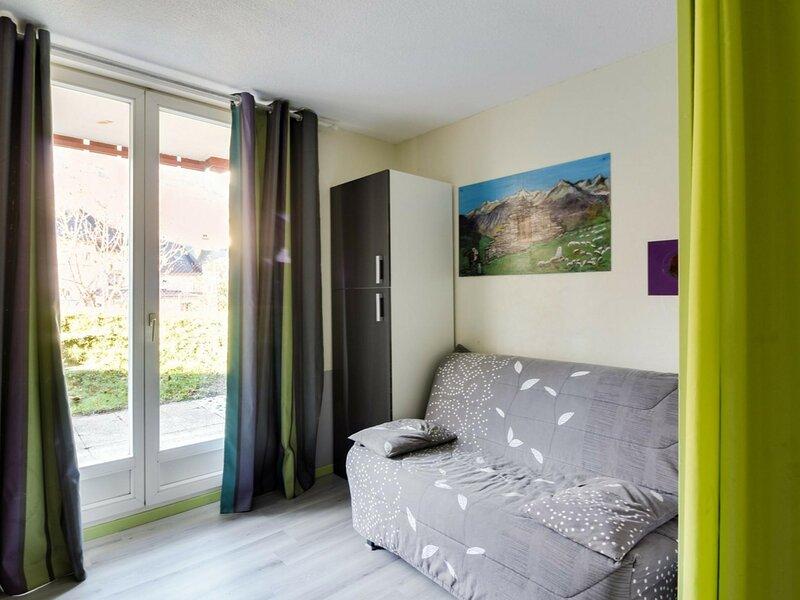 STUDIO 4 PERSONNES RESIDENCE HAMEAU DE SOUARIBES, CALME, holiday rental in Esquieze-Sere