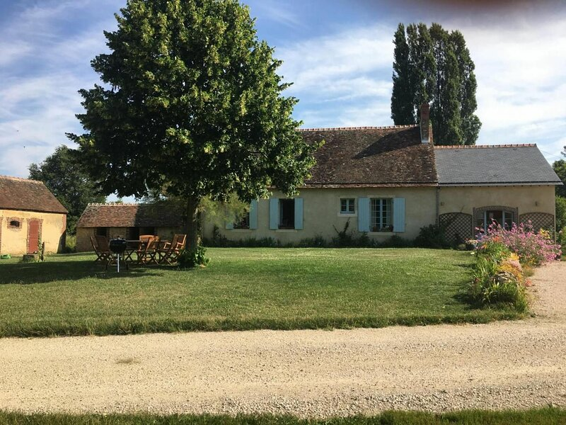 L'etang becanne, holiday rental in Saint-Jean-des-Echelles