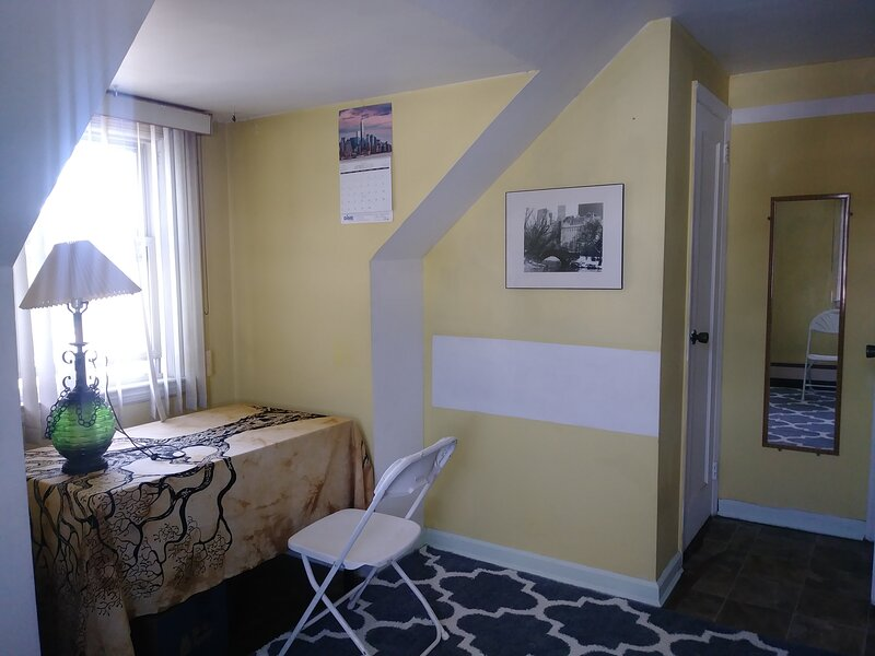 Cozy Private Room near NUMC, casa vacanza a Levittown