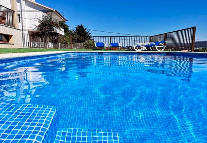Villa - 6 Bedrooms with Pool and Sea views - 109064, holiday rental in Portonovo