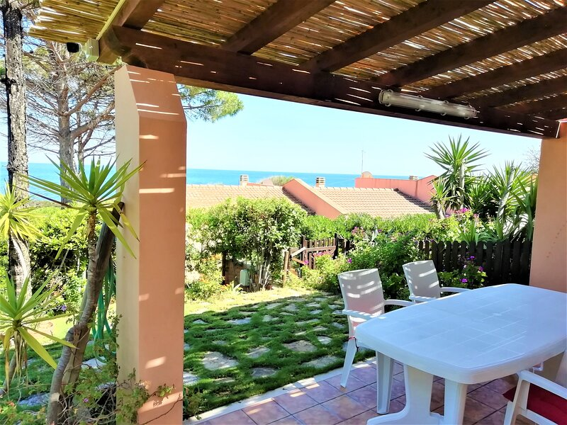 Holiday Home 'Ruby Seadragon' 80m dal mare P5584, holiday rental in Porto Tramatzu