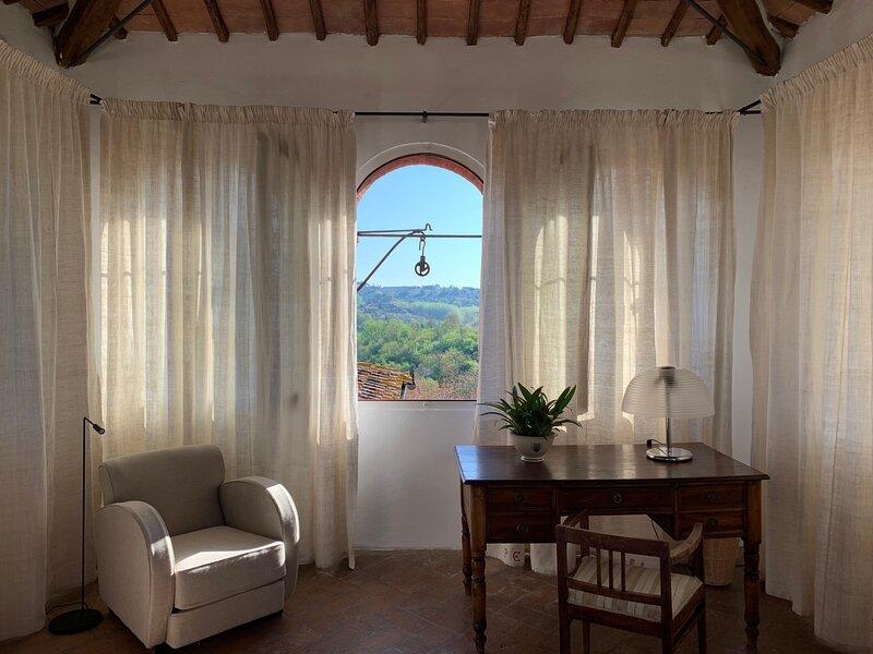 Casa Borgianni. Villa Caprera, Siena Farmhouse., holiday rental in Siena