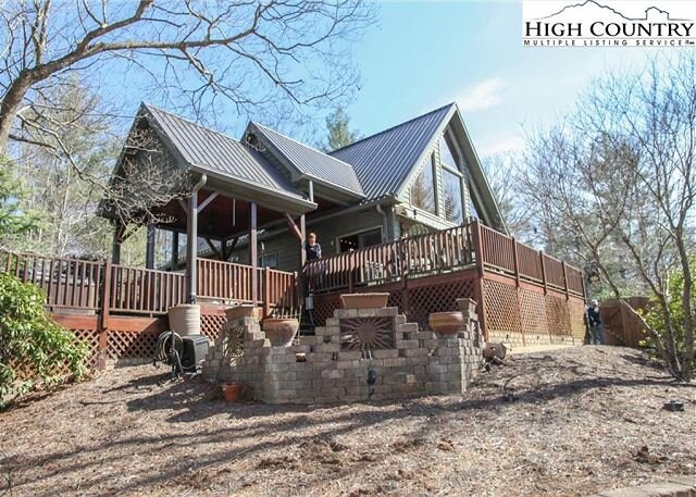 Mountain Cabin, Game Room, Hot Tub, WiFi, Gas Fireplace, holiday rental in Ferguson