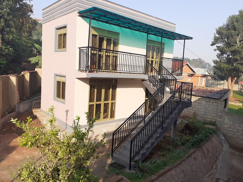 This is an annexe with four(4) self contained bedrooms.  Each room is furnished with a kitchenette.