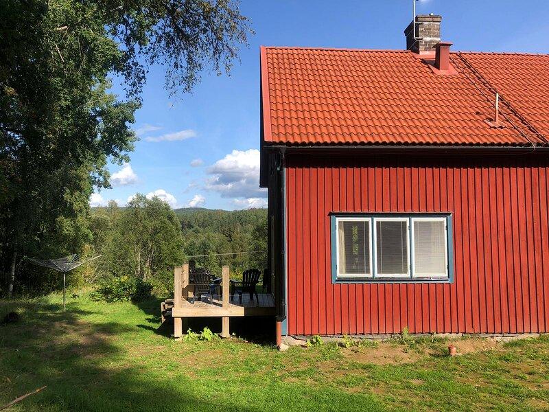 Nore :  comfortable cottage near Sunnemo with a wonderful view, aluguéis de temporada em Sunne
