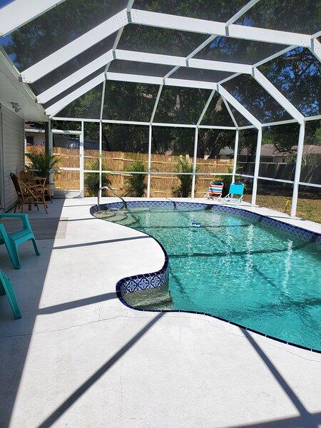 Tropical Pool Home Retreat, casa vacanza a Fort Ogden