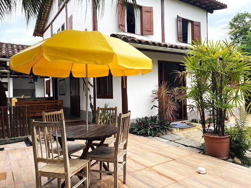 Casa com 5 Suítes, Lareira, Área Gourmet e Wifi – semesterbostad i Paraty