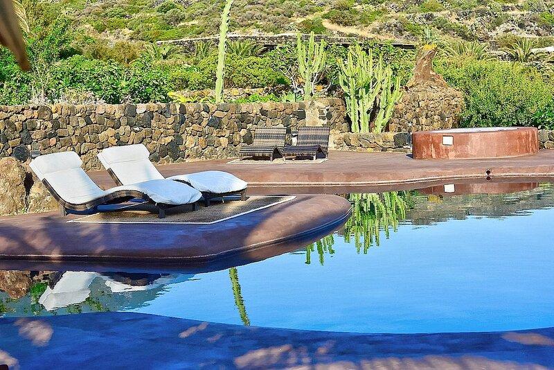 Villa Meriggio B, holiday rental in Scauri