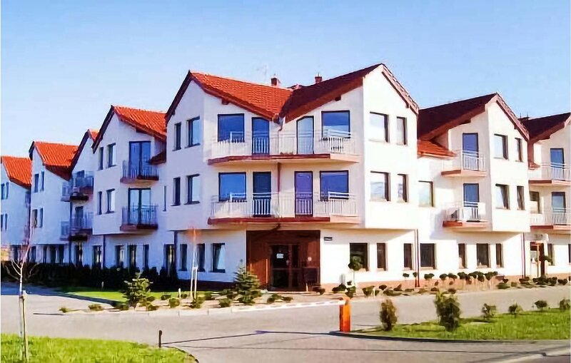 Nice apartment in Darlowko with WiFi and 1 Bedrooms (PPO750), vacation rental in Lacko