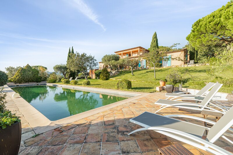 Amazing villa with swimming-pool, holiday rental in Ramatuelle