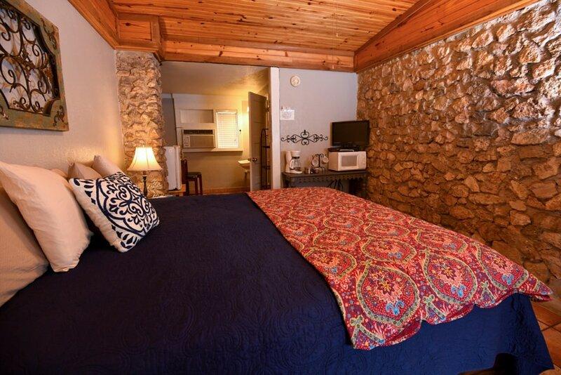 Cabin #28 - Historic couples get away, holiday rental in Vanderpool