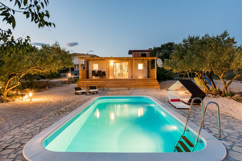 Authentic Camping Dalmatia, casa vacanza a Pirovac