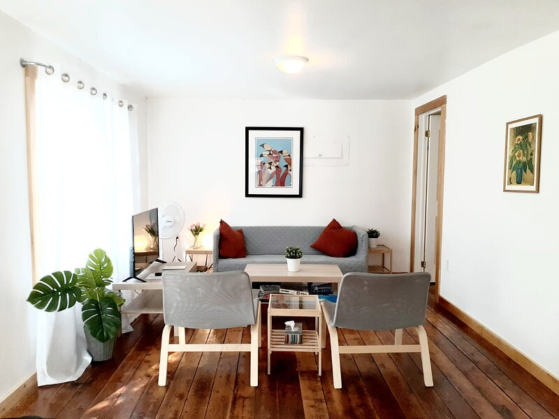 Your nature and beach getaway- 6 Guests- Swan, aluguéis de temporada em Waupoos