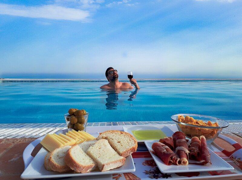 Private - luxurious : 180°sea views & Sierra Nevada views, holiday rental in Berja