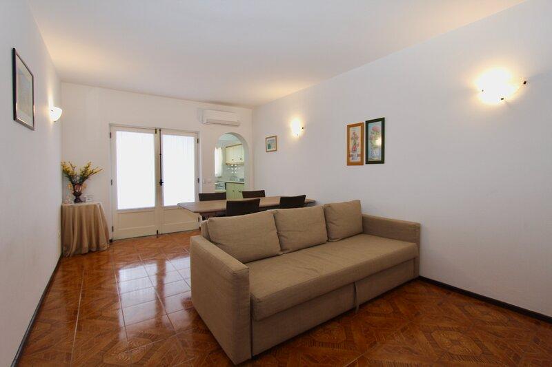 Z&A Apartment - Spacious Apartment, with air conditioning, close to beach, WiFi, location de vacances à Areias de Sao Joao