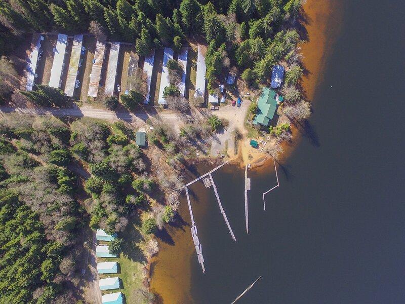 Waterlily Bay Resort, holiday rental in Kitimat-Stikine District