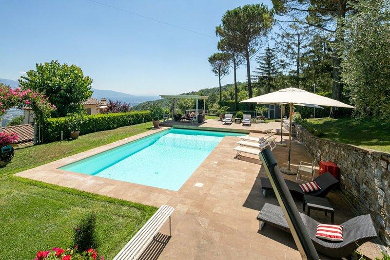 Villa Collesole 12 - Villa with pool on the Chianti hills, casa vacanza a San Donato in Collina