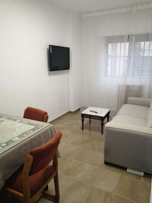 Piso en el centro de Granada, holiday rental in Armilla